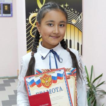 Детская школа искусств чествовала своих выпускников, состоялась церемония вручения свидетельств.